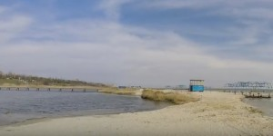 Пляж в несезон