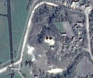 Храм апостола Луки споруджений на місці шумбарського замку
