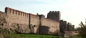 Стіни Константинополя - свято Покрови Пресвятої Богородиці виникло під час штурму цього міста
