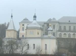 Вознесенська церква, палац і замкові стіни у Вишнівці