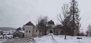 Замок у Свіржі взимку
