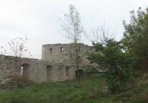 Башта замку у Сатанові
