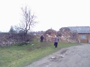 Кутовий бастіон - стіни невисокі, пристосовані до масованого використання вогнепальної зброї