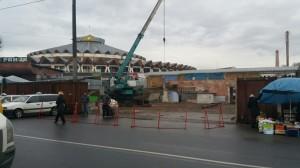 Нещодавно тут був базар, тепер - будують багатоповерхівку