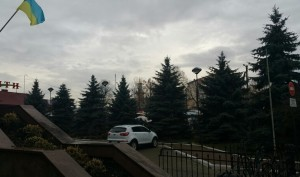 Ратушу видно з вулиці Дністровська
