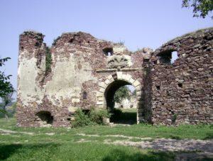 Ворота замку і башта