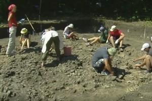 Археологічні дослідження стародавнього поселення