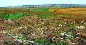 Розкопки черняхівського поселення - будинок з фундаментом