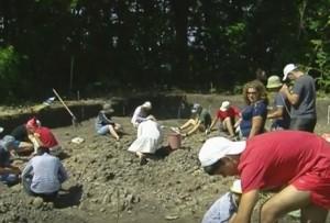 Розкопки стародавнього поселення