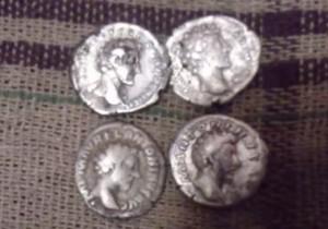 Римські денарії з черняхівського поселення