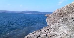 Скельні береги у Бакоті