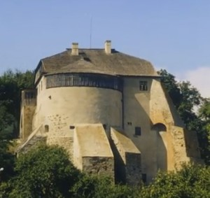 Донжон замку в Острозі - вежа мурована