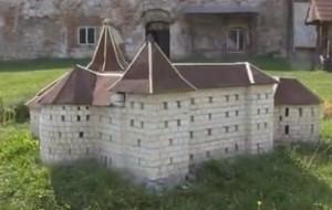 Макет Бережанського замку