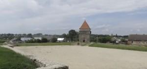 Подвір'я замку у Скалаті