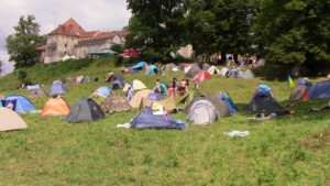 Наметовий табір фестивалю Вудсток у Свіржі