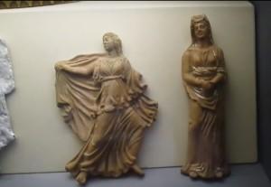 Античные женские статуетки
