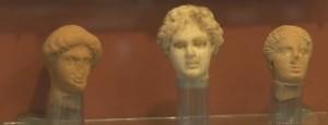 Головы терракотовых статуеток