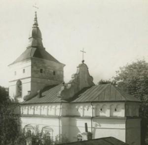 Стара фотографія церкви у Малих Загайцях