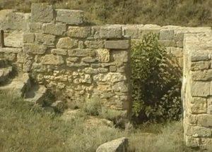 Дверной проем античного здания
