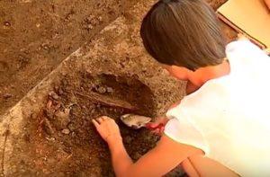 Розкопки лопаткою
