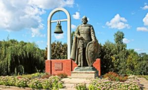 Пам'ятник у Переяславі символізує першу згадку назви Україна у літописі