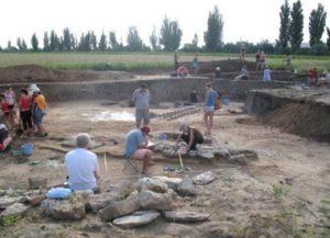 Розкопки на біля села Дніпровське Білозерського району