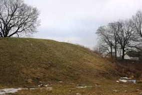 Вал городища у селі СвітильняВал городища у селі Світильня