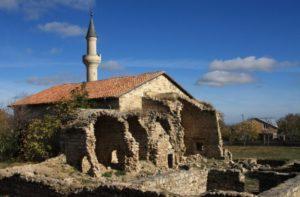 Руины мечети в Старом Крыму