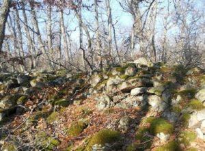 Стена крепости Биюк-Кастель на мысе Аю-Даг
