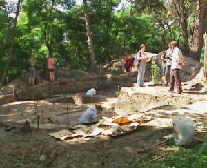 Археологічні розкопки у селі Виповзів