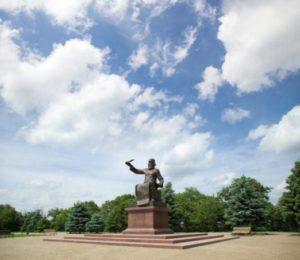 Пам'ятник на території фортеці у Прилуках