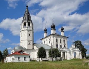 Свято-Знаменская церковь в селе Красное