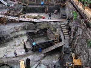 Раскопки возле Московского Кремля
