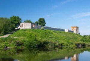 Замкова башта та новозбудовані стіни