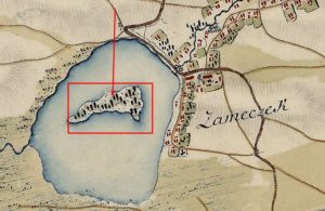 Острів посеред ставу, на якому був замок