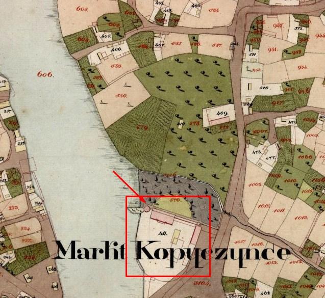 Палац Баворовських на кадастровій карті ХІХ століття, стрілкою показано башту замку